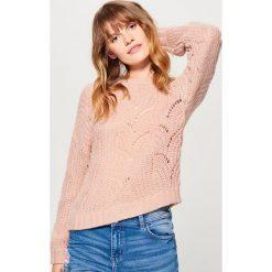 Ażurowy sweter z domieszką wełny - Różowy. Czerwone swetry klasyczne damskie marki Mohito, l, z wełny. Za 119,99 zł.