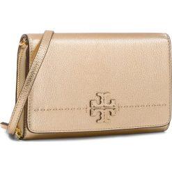 Torebka TORY BURCH - Mcgraw Metallic Flat Wallet 46171 Gold 701. Żółte listonoszki damskie Tory Burch, ze skóry, na ramię. Za 1259,00 zł.