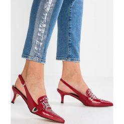 Bianca Di Czółenka rosso. Czerwone buty ślubne damskie Bianca Di, z materiału. Za 549,00 zł.