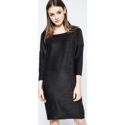 Sukienki balowe: SH – Sukienka