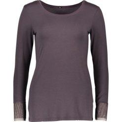 Koszulka piżamowa w kolorze antracytowym. Szare koszule nocne i halki marki Naturana, z tiulu, z okrągłym kołnierzem. W wyprzedaży za 69,95 zł.