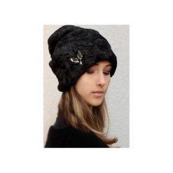 Czapka Diamonds & POOH. Czarne czapki damskie Chapoosie, z bawełny. Za 125,10 zł.