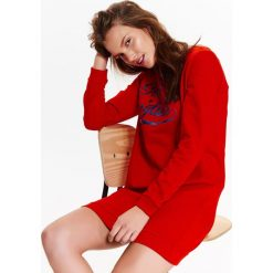 SUKIENKA, DRESOWA Z NAPISEM. Czerwone sukienki Top Secret, na lato, z napisami, z dresówki, sportowe, sportowe. Za 39,99 zł.