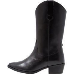 Steve Madden ALTO Kowbojki i obuwie motocyklowe black. Czarne buty zimowe damskie marki Steve Madden, z materiału. Za 839,00 zł.