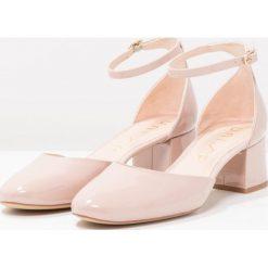 Unisa KIDO_PA Czółenka dusty. Szare buty ślubne damskie Unisa, z materiału. W wyprzedaży za 407,20 zł.