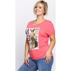 Różowy T-shirt Solitary. Czerwone bluzki asymetryczne Born2be, uniwersalny. Za 9,99 zł.