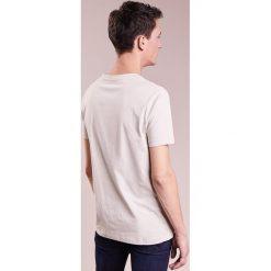 T-shirty męskie: Bruuns Bazaar GUSTAV Tshirt basic sand grey