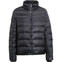 Opus HINGA  Kurtka puchowa black. Czarne kurtki damskie puchowe Opus, z materiału. W wyprzedaży za 395,45 zł.