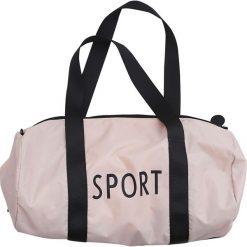 Torba sportowa Design Letters mała różowa. Czerwone torby podróżne Design Letters, z materiału, małe. Za 172,00 zł.