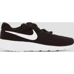 Buty sportowe Tanjun. Szare buty sportowe chłopięce marki Nike, ze skóry. Za 251,96 zł.