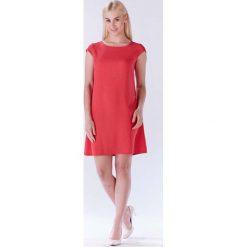 Fuksja Sukienka Zwiewna Trapezowa z Mini Rękawkiem. Czerwone sukienki balowe Molly.pl, do pracy, l, z tkaniny, z klasycznym kołnierzykiem, mini, trapezowe. Za 108,90 zł.