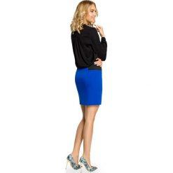 SKYLER Spódniczka mini z elastycznymi wstawkami po bokach - chabrowa. Niebieskie minispódniczki Moe, dopasowane. Za 69,90 zł.