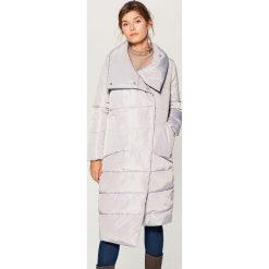 Odzież damska: Płaszcz z asymetrycznym dołem - Szary