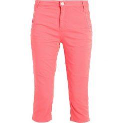 Mos Mosh ETTA COLOUR 3/4 Szorty jeansowe pink. Czerwone bermudy damskie Mos Mosh, z bawełny. Za 479,00 zł.