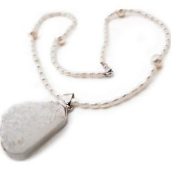 Naszyjniki damskie: Naszyjnik z perłami i kryształem – (D)45 cm