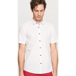 Koszula z mikroprintem slim fit - Biały. Białe koszule męskie slim marki Reserved, l. Za 69,99 zł.