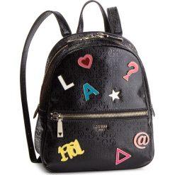 Plecak GUESS - HWSP71 81320 BLA. Czarne plecaki damskie Guess, z aplikacjami, ze skóry ekologicznej, klasyczne. Za 589,00 zł.