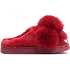Czerwone Kapcie Cony. Czerwone kapcie dziewczęce Born2be, z materiału. Za 49,99 zł.