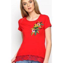 Czerwony T-shirt Parrot In The Jungle. Czerwone t-shirty damskie Born2be, l. Za 54,99 zł.