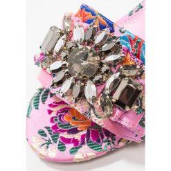 Chodaki damskie: Carvela KASCADE Klapki pink