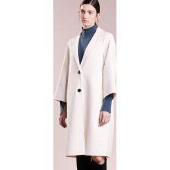 Płaszcze damskie pastelowe: Bruuns Bazaar ODA  Płaszcz wełniany /Płaszcz klasyczny white