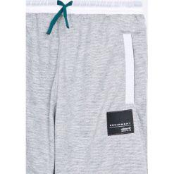 Adidas Originals - Spodnie dziecięce 128-176 cm. Szare spodnie chłopięce adidas Originals, z dzianiny. W wyprzedaży za 159,90 zł.
