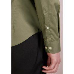 Bogner TIMI SLIM FIT Koszula khaki. Brązowe koszule męskie slim marki FORCLAZ, m, z materiału, z długim rękawem. Za 419,00 zł.