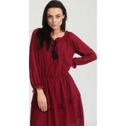 Sukienki: Bordowa SukienkaHomogeneity