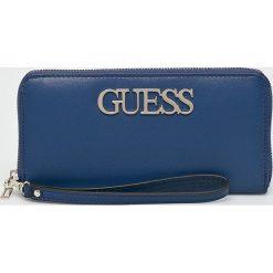 Guess Jeans - Portfel. Niebieskie portfele damskie marki Guess Jeans, z obniżonym stanem. Za 279,90 zł.