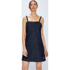 Calvin Klein Jeans - Sukienka. Szare sukienki mini marki Calvin Klein Jeans, na co dzień, l, z bawełny, casualowe, na ramiączkach, proste. W wyprzedaży za 399,90 zł.