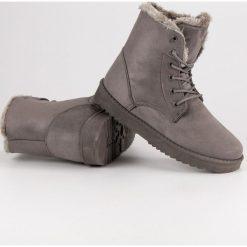 CIEPŁE ZAMSZOWE BUTY. Szare buty zimowe damskie Forever Folie, z zamszu. Za 66,00 zł.