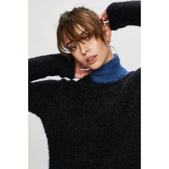 Vero Moda - Sweter. Czarne swetry klasyczne damskie Vero Moda, l, z dzianiny, z okrągłym kołnierzem. Za 119,90 zł.