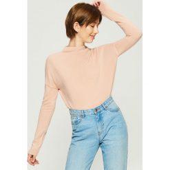 Gładki sweter basic - Różowy. Czerwone swetry klasyczne damskie marki Sinsay, l. Za 49,99 zł.