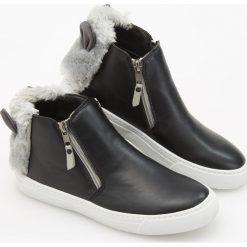 Buty dziecięce: Trampki z futerkiem - Czarny