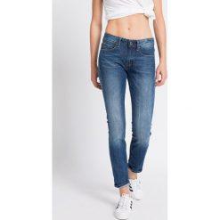 G-Star Raw - Jeansy. Niebieskie jeansy damskie marki G-Star RAW, z bawełny. W wyprzedaży za 199,90 zł.
