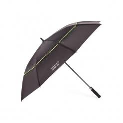 Parasol do golfa 900 UV. Czarne parasole marki INESIS. Za 79,99 zł.