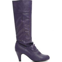 Fioletowe Kozaki Anywhere. Fioletowe buty zimowe damskie marki Born2be, z materiału, z okrągłym noskiem, na obcasie. Za 59,99 zł.