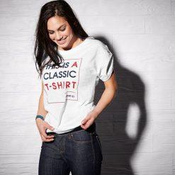 Reebok Koszulka damska F Slogan Tee biała r. XS (AA9163). Szare bralety marki Reebok, l, z dzianiny, casualowe, z okrągłym kołnierzem. Za 69,96 zł.