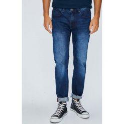 Medicine - Jeansy Japan Cartoon. Niebieskie jeansy męskie regular MEDICINE. W wyprzedaży za 79,90 zł.