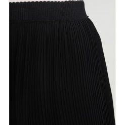 Spódniczki trapezowe: Soaked in Luxury TARYN Spódnica trapezowa black