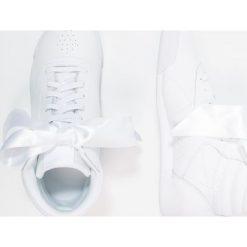 Reebok Classic BOW Tenisówki i Trampki wysokie white/skull grey. Białe trampki chłopięce marki Reebok Classic, z materiału. W wyprzedaży za 160,30 zł.