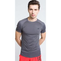 Koszulka treningowa męska TSMF215 - ciemny szary melanż. Szare odzież termoaktywna męska 4f, na lato, m, melanż, z dzianiny. Za 59,99 zł.