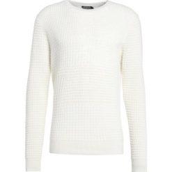 Tiger of Sweden RUTE Sweter soft white. Brązowe swetry klasyczne męskie marki Tiger of Sweden, m, z wełny. W wyprzedaży za 531,75 zł.