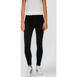 Vero Moda - Jeansy. Czarne jeansy damskie marki Vero Moda, z bawełny. W wyprzedaży za 129,90 zł.