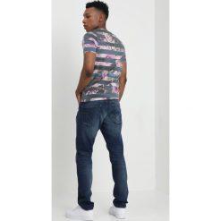 GStar 3301 TAPERED 3D Jeansy Zwężane medium aged restored. Szare jeansy męskie G-Star. W wyprzedaży za 399,50 zł.