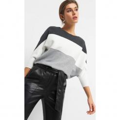 Nietoperzowy sweter w pasy. Brązowe swetry klasyczne damskie marki Orsay, s, z dzianiny. Za 79,99 zł.