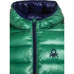 Benetton Kurtka zimowa multicolor. Szare kurtki chłopięce zimowe marki Benetton, z materiału. W wyprzedaży za 167,20 zł.