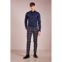 Tiger of Sweden BRODIE EXTRA SLIM FIT Koszula biznesowa royal blue. Brązowe koszule męskie slim marki Tiger of Sweden, m, z wełny. Za 379,00 zł.