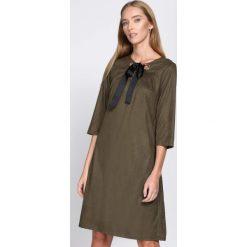 Sukienki: Zielona Sukienka Souvenirs