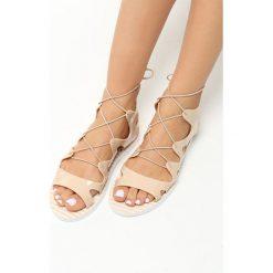 Beżowe Sandały Vertex. Brązowe sandały damskie marki Born2be, z kauczuku, na obcasie. Za 29,99 zł.